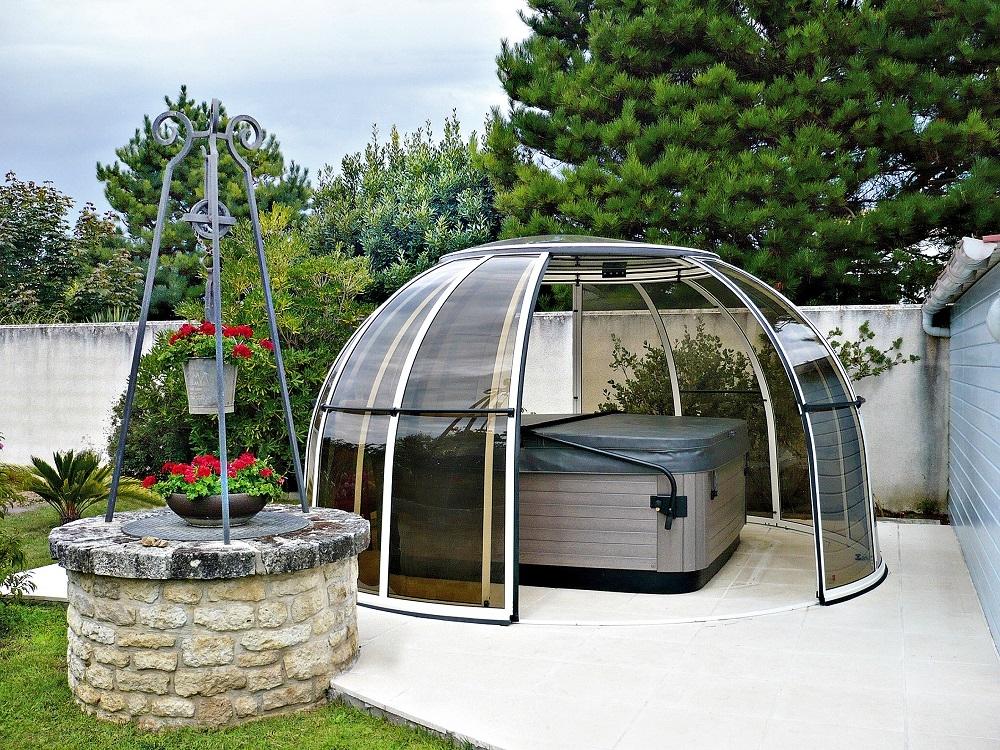 Orlando Glass Hot Tub Enclosure