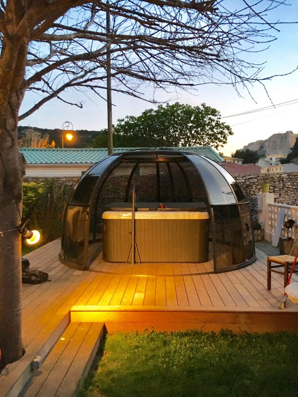 Orlando Glass Hot Tub Enclosure | A6 Hot Tubs