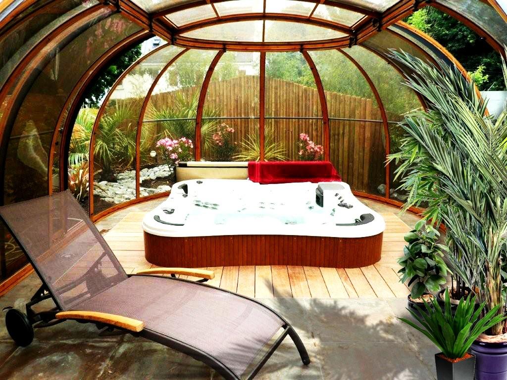 Grand Sun House Hot Tub Enclosure