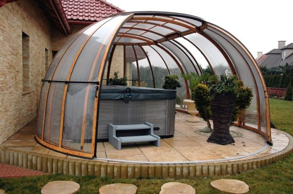 Sunhouse Hot Tub Enclosure